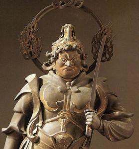 金色孔雀王像
